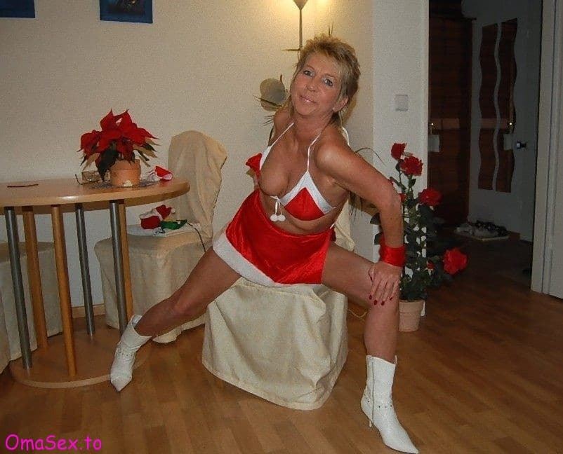 Sexy Weihnachtsengel sucht geile Wichser