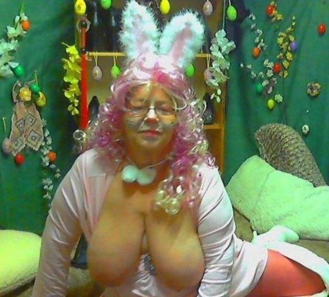 Oma Bunny sucht potenten Rammler für Omasex in Berlin